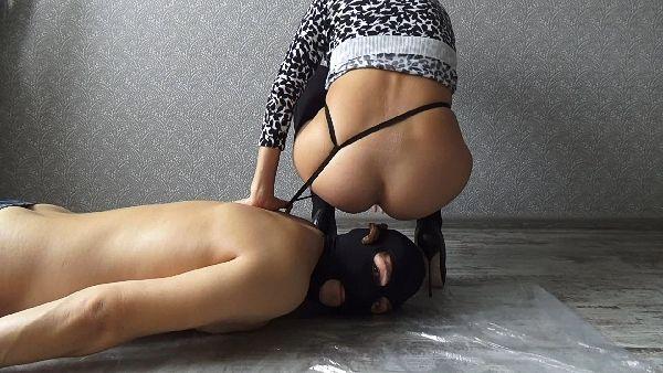 mistress gaia scat