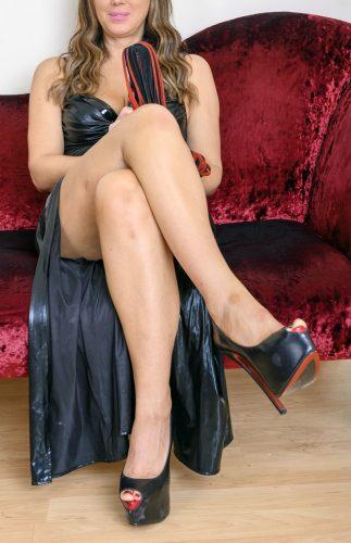 mistress cerca schiavo handjob